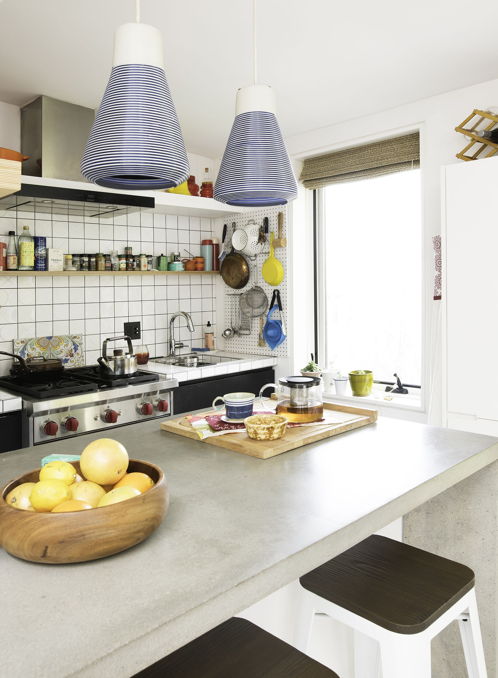 20 Kitchen Open Shelf Ideas - How to Use Open Shelving in ...