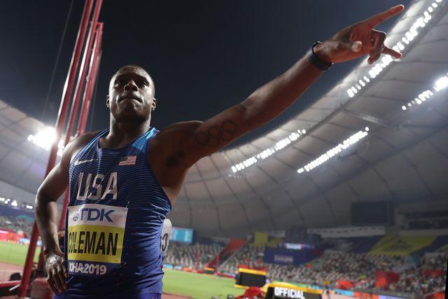 christian coleman celebra su victoria en los 100 metros lisos del mundial de atletismo de doha 2019