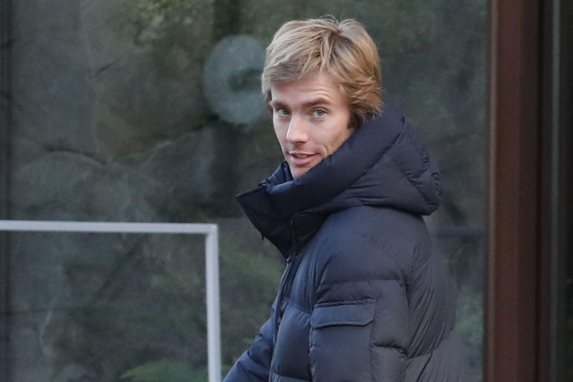 Christian De Hannover Se Mueve En Patinete Por Madrid