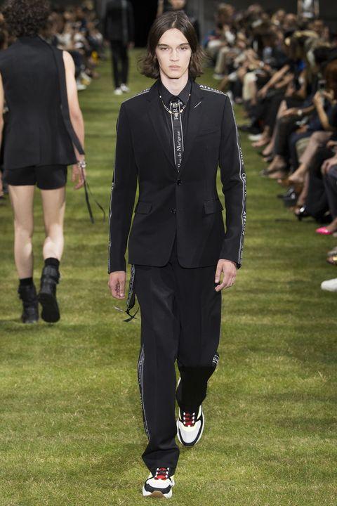 Christian Dior  storia di uno stilista rivoluzionario 73801800719