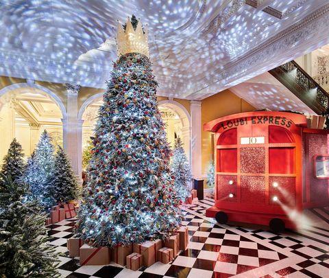 Árbol de Navidad diseñado por Christian Louboutin