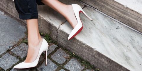 761604b70d4c This is why Christian Louboutin heels have a red sole