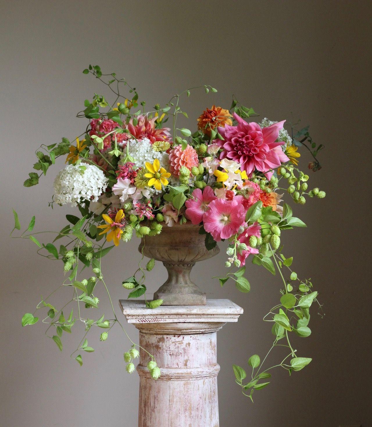 cultivated-summer-flower-arrangements