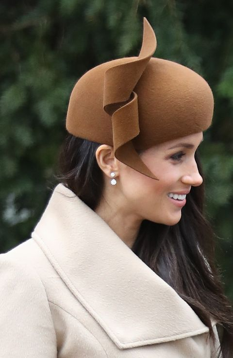 Hair, Head, Ear, Hat, Costume hat, Headgear, Costume accessory, Fashion accessory, Beige, Headpiece,