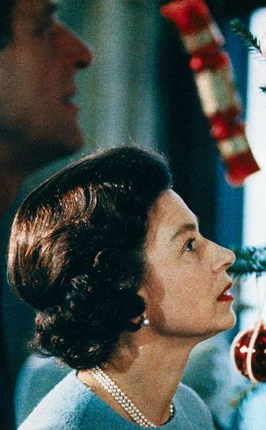 エリザベス女王 クリスマス フィリップ殿下