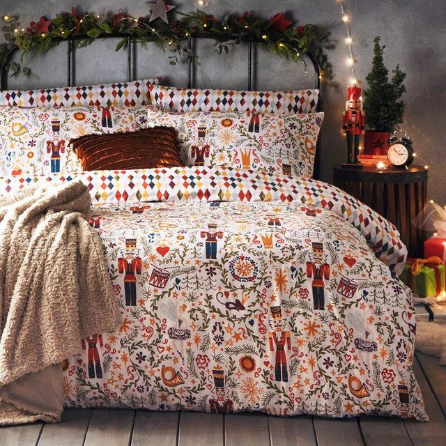 18 christmas bedding sets   best christmas duvet covers