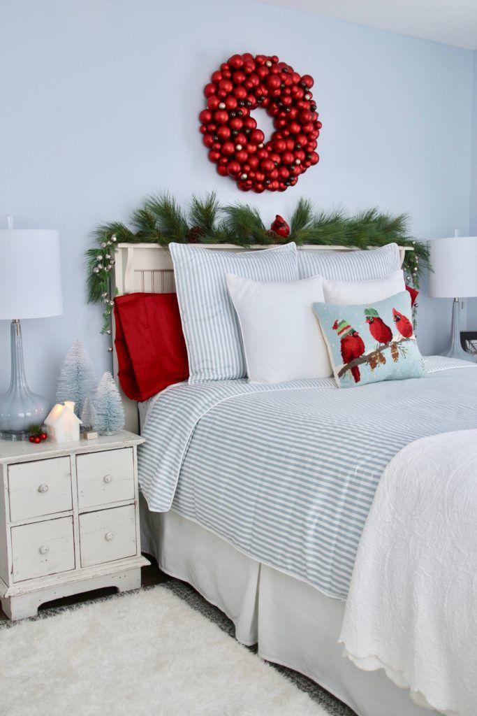 14 Best Christmas Bedroom Decor Ideas - Holiday Bedroom Decorations