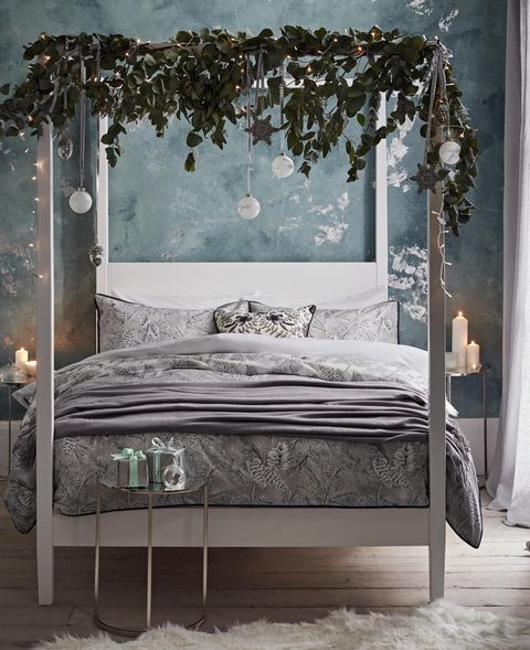 christmas bedroom decor with four poster bed