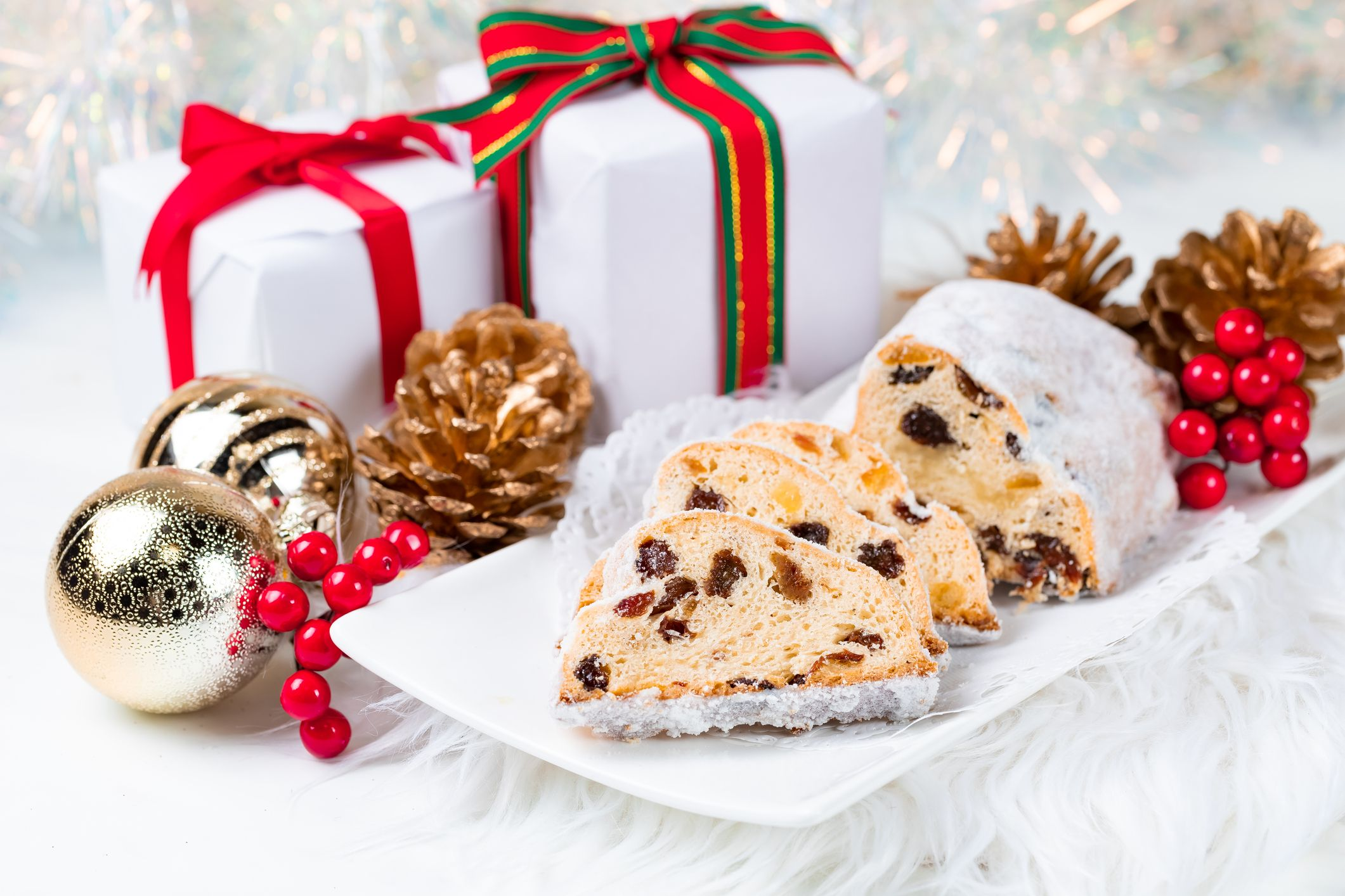 10 Traditional Christmas and Holiday Bread Recipes From Around The World