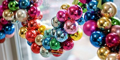 christmas ornament garland - Christmas Bulb Decorations