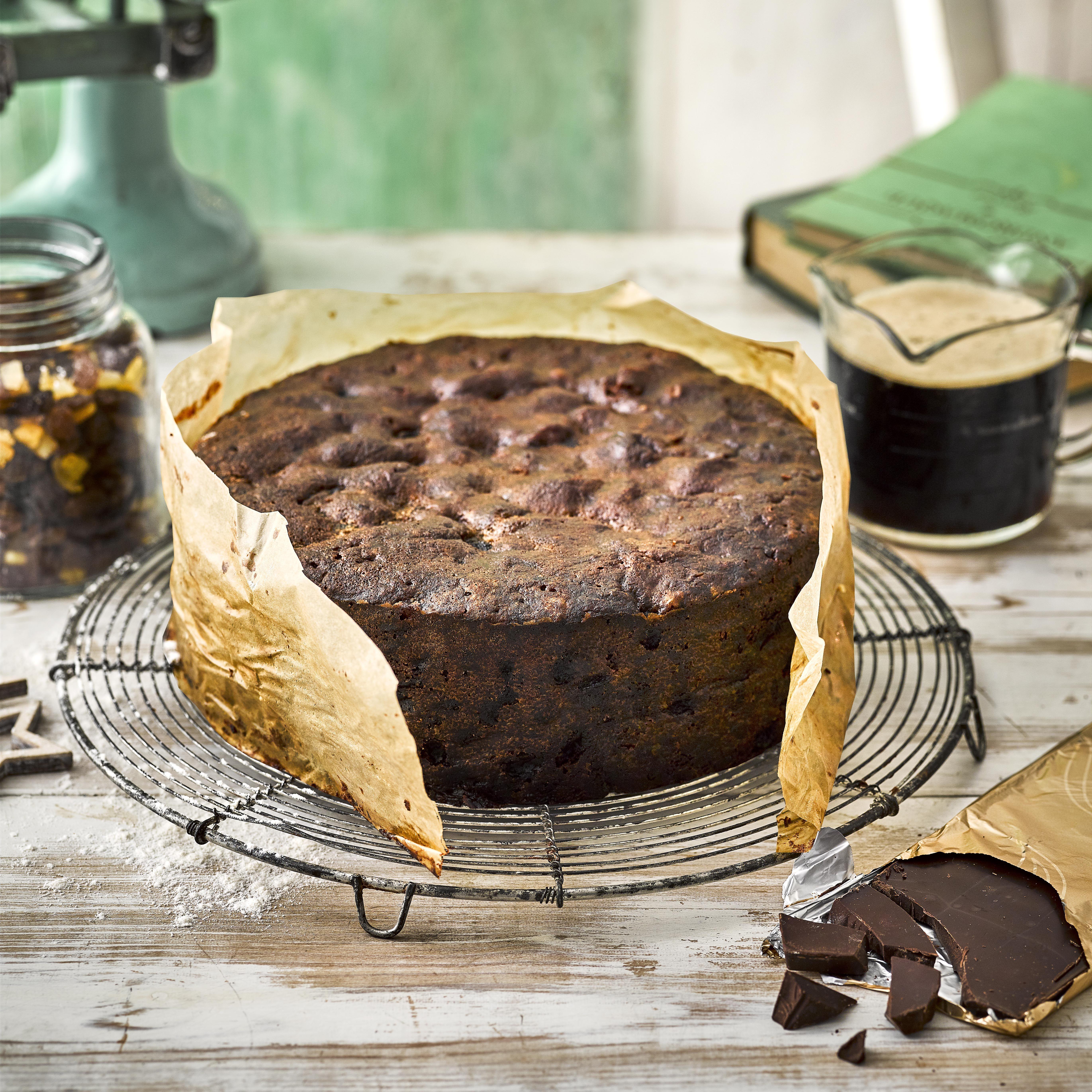 Christmas Cake Recipe.Chocolate Stout Christmas Cake
