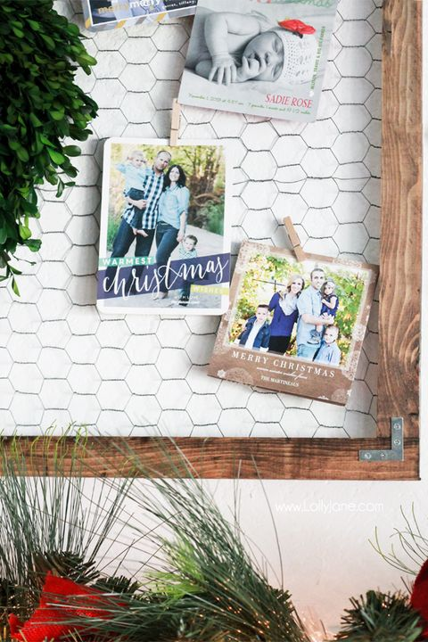 christmas card display ideas chicken wire