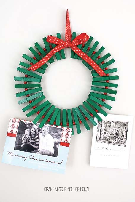christmas card display ideas wreath