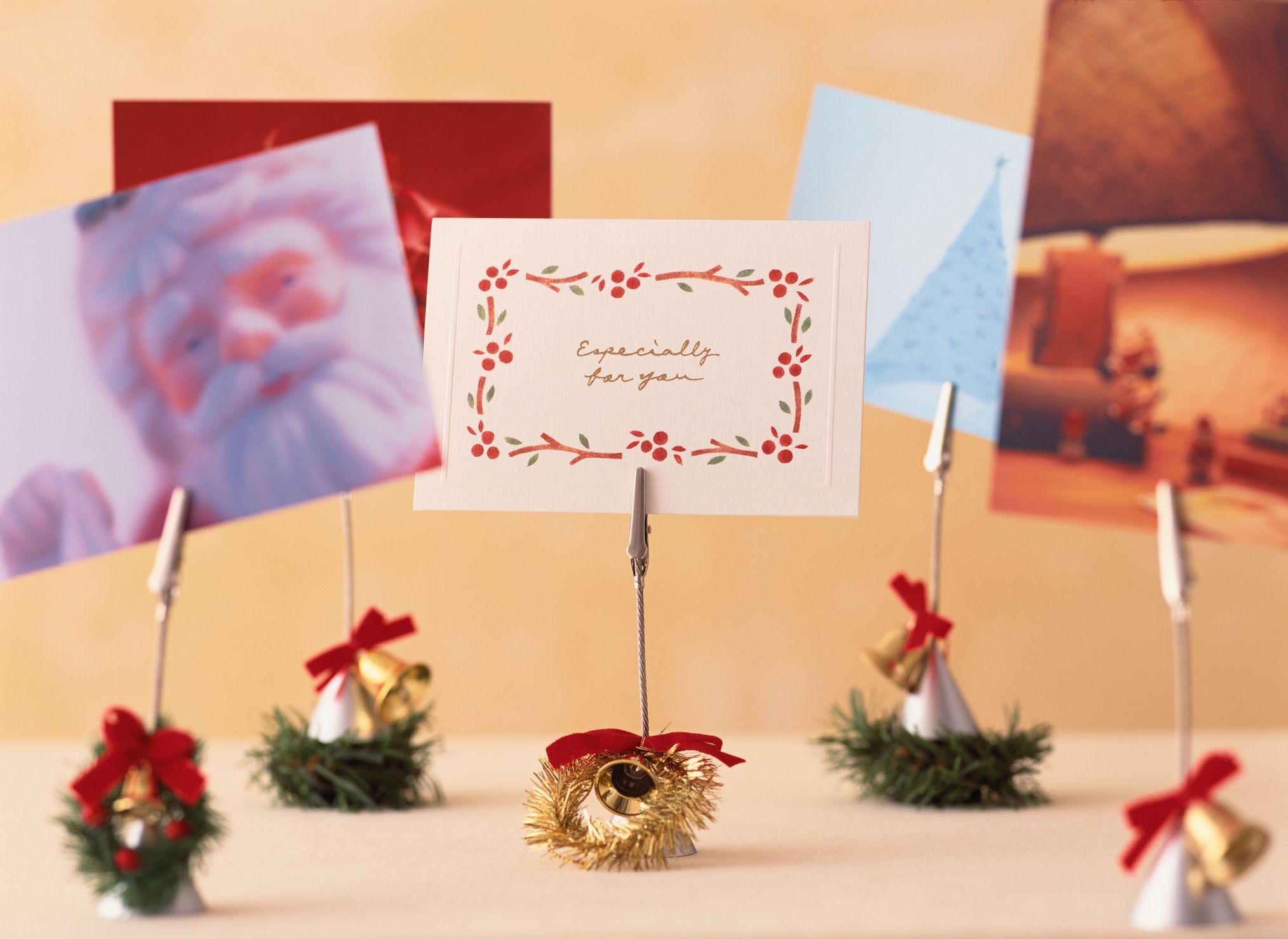 32 DIY Christmas Card Holder Ideas , How to Display
