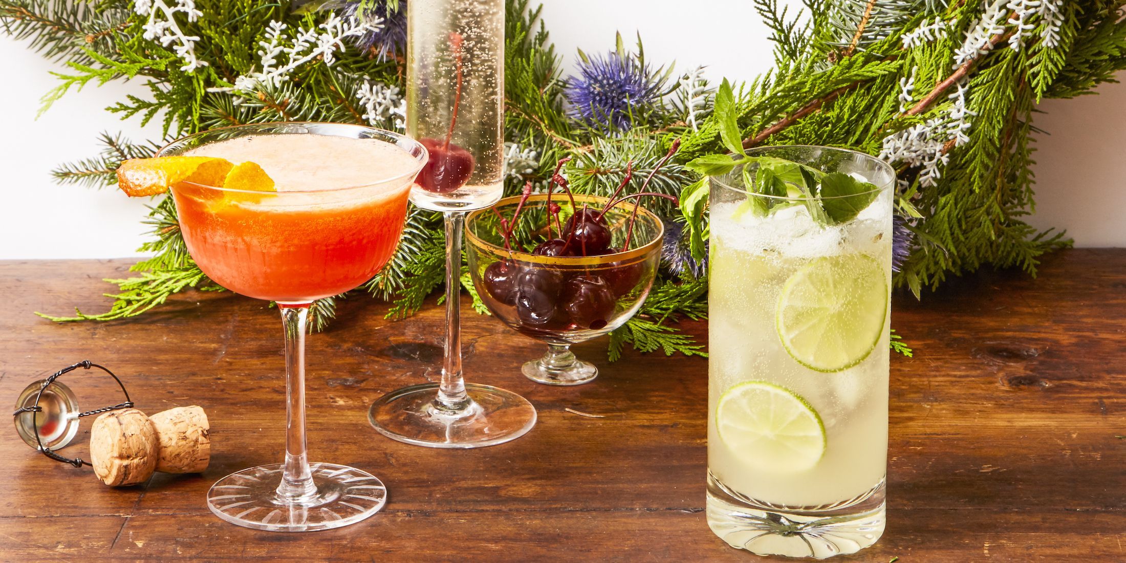 40 Easy Christmas Cocktails - Recipes for Holiday Alcoholic Drinks