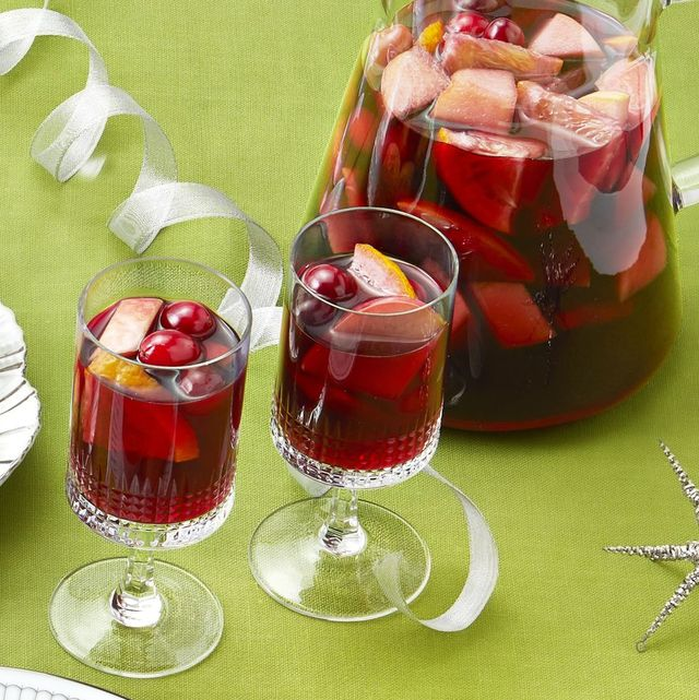 christmas cocktails sangria on green background