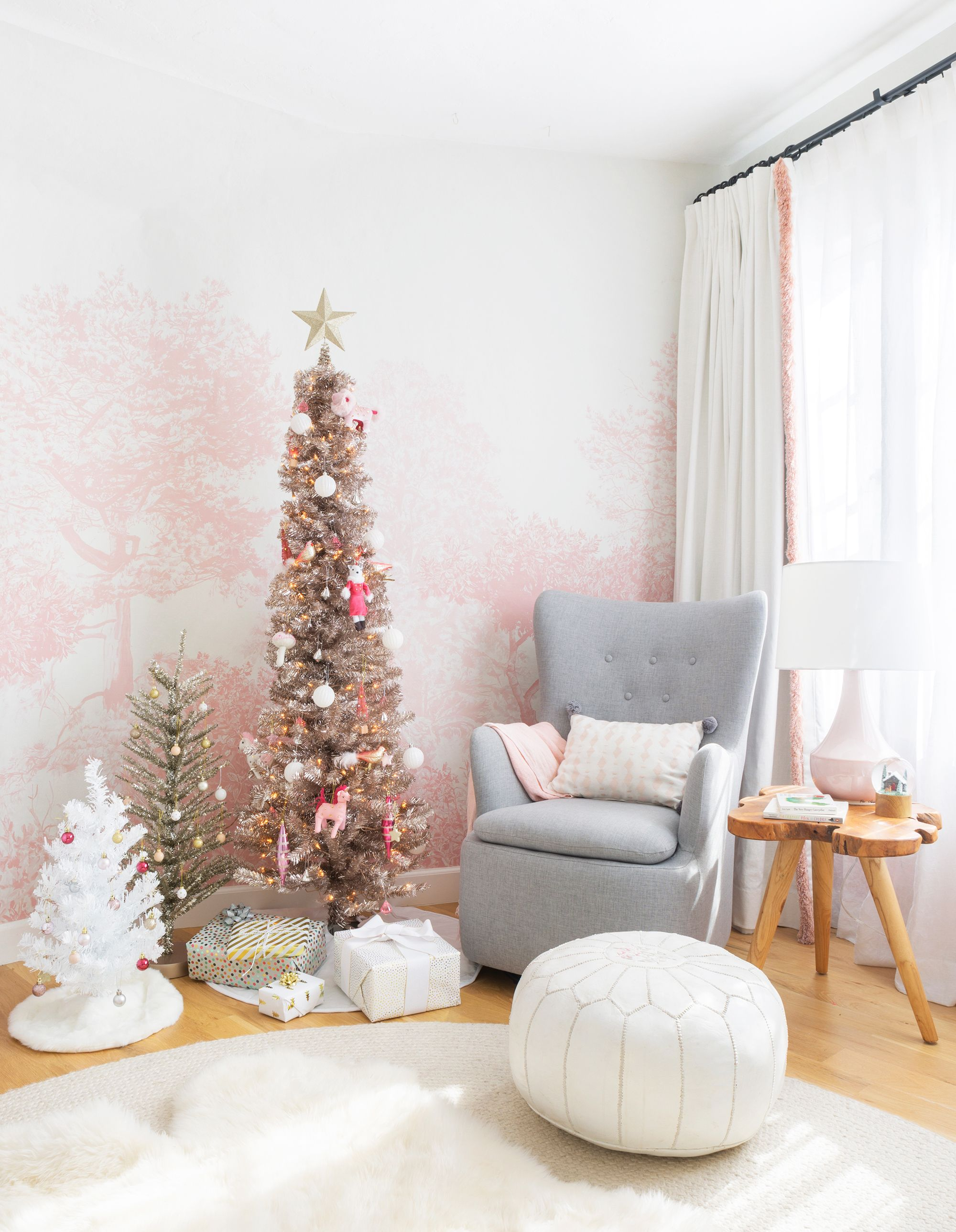 19 Unique Christmas Colors For Holiday Decorating Best Holiday Color Schemes