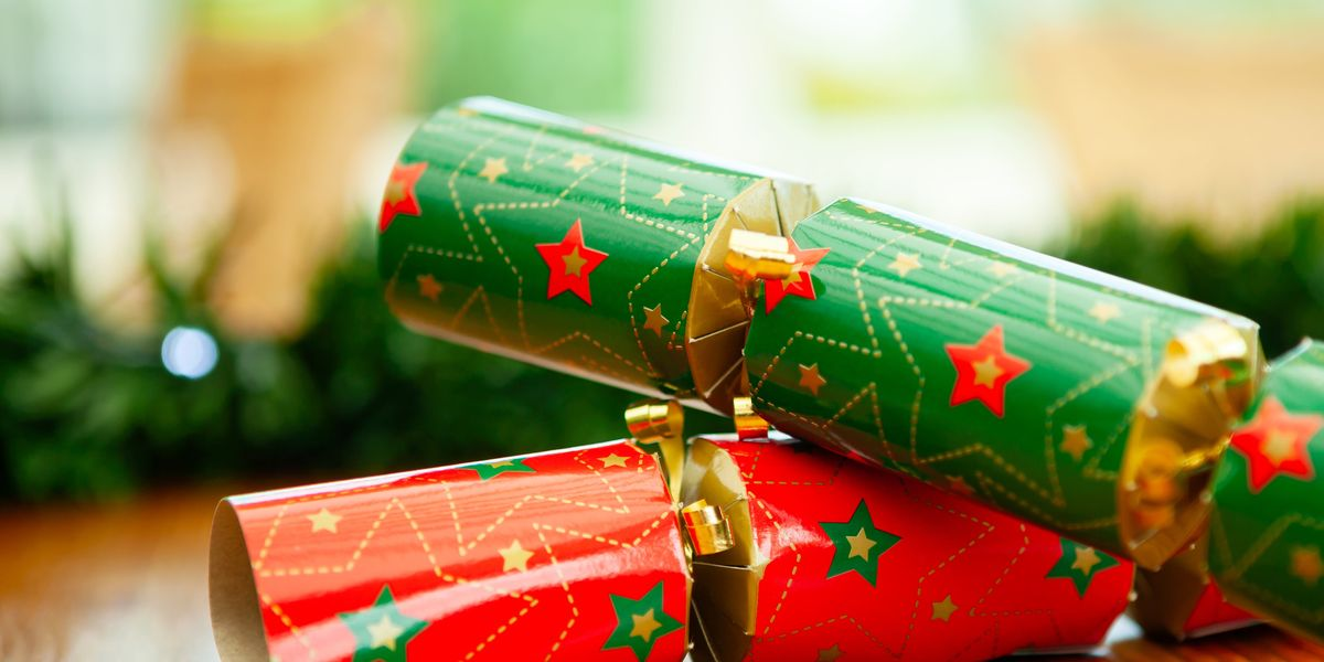 10 Best Christmas Jokes for DIY Christmas Crackers (That Are Actually Funny, Kind Of)