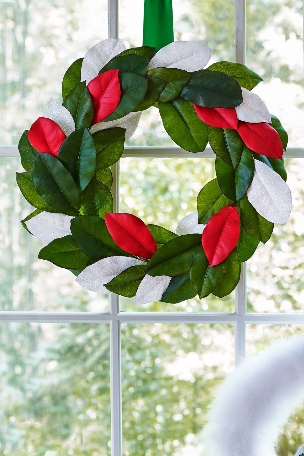christmas crafts classic colors wreath