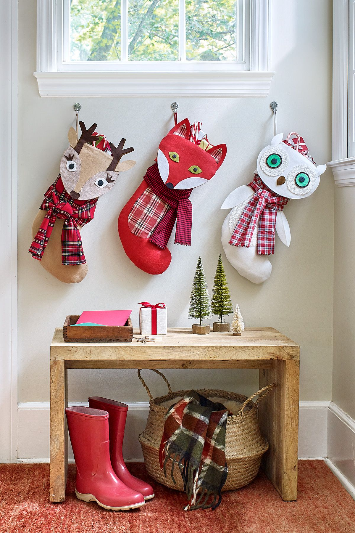 Christmas Crafts To Sell At Bazaar.40 Easy Christmas Crafts Simple Diy Holiday Craft Ideas