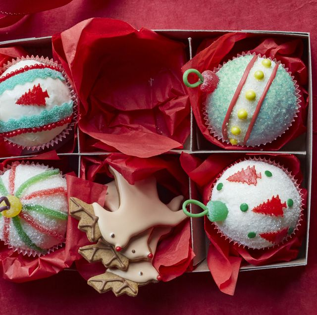 ornament cupcakes for christmas