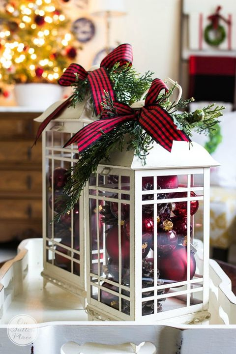 Christmas Lantern.15 Diy Christmas Lantern Ideas How To Decorate A Holiday
