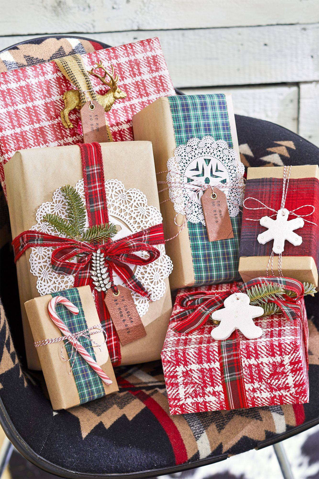 Holiday Christmas Gift Cookies Treat Boxes Window Top Set of 6 Red Plaid w Truck