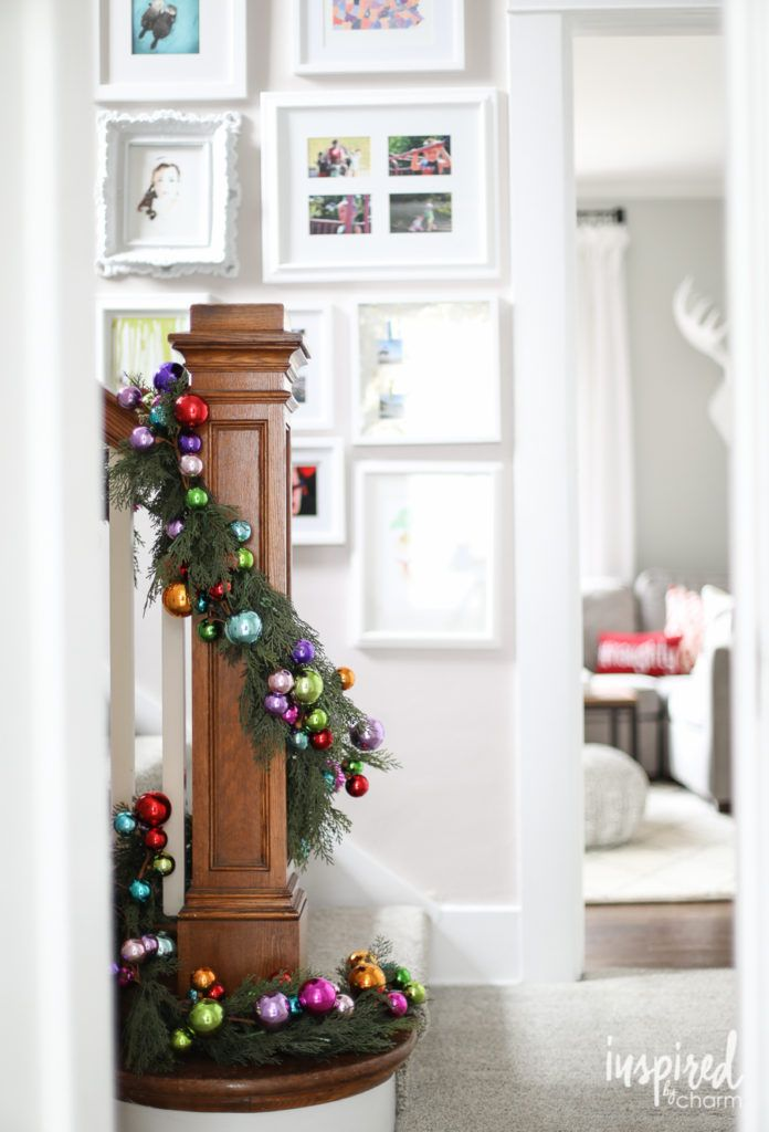 12 christmas decorations for stairs how to decorate a staircase indoors for christmas - How To Decorate Stairs For Christmas