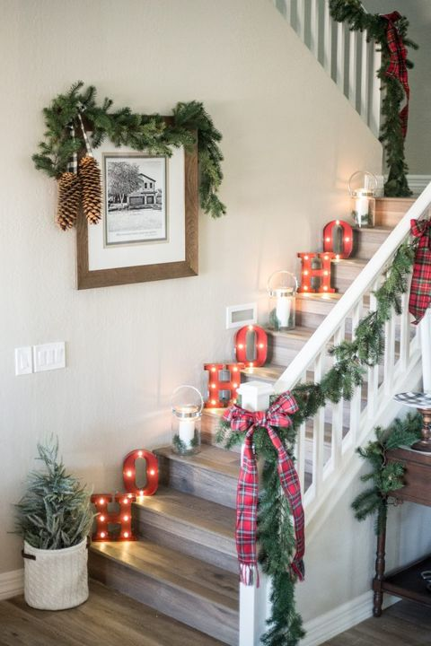 christmas decorations for stairs ho - Decorating Banisters For Christmas With Ribbon