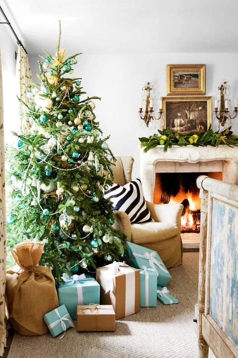 Christmas tree, Living room, Christmas decoration, Room, Home, Green, Christmas, Tree, Property, Interior design,
