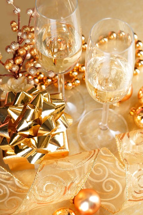 best new year's eve party themes 2020   champagne party theme
