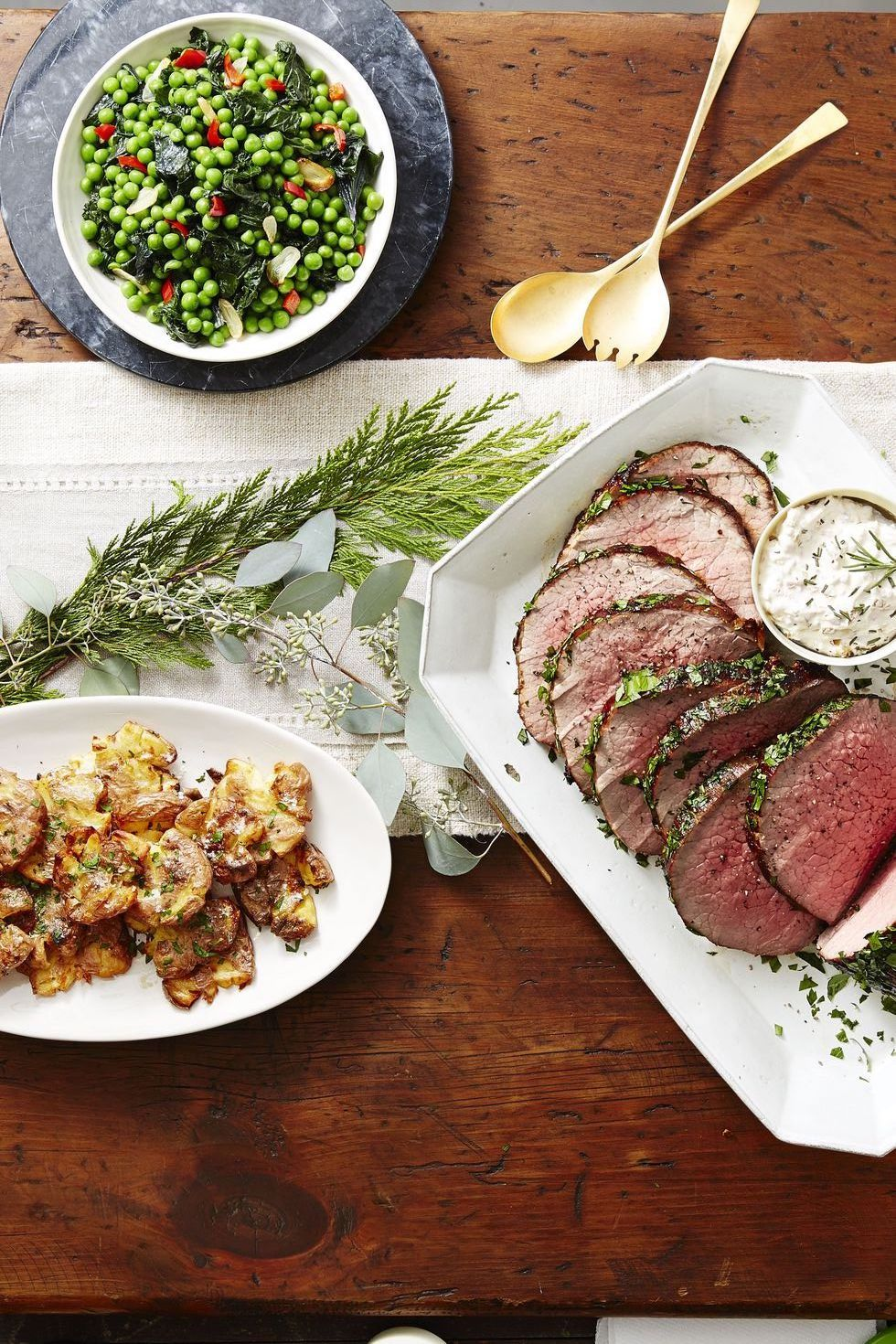 55 Creative Christmas Dinner Ideas That Are Sure to Steal the Show