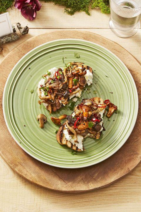 christmas dinner ideas   mushroom toasts