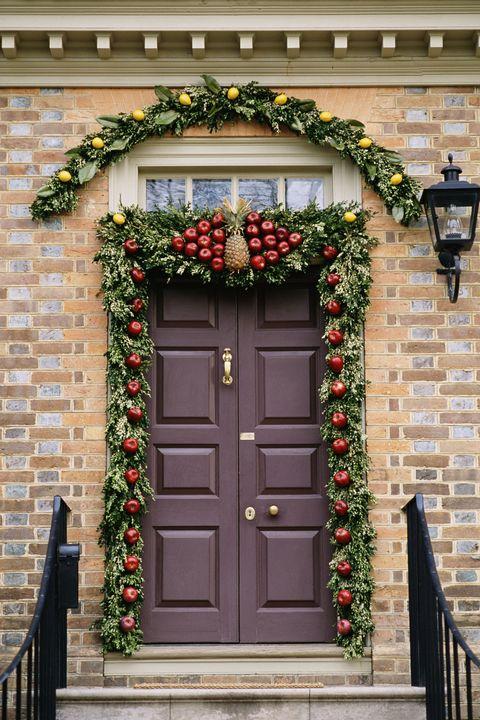 Christmas Door Decorations.30 Christmas Door Decoration Ideas Pretty Holiday Front Doors