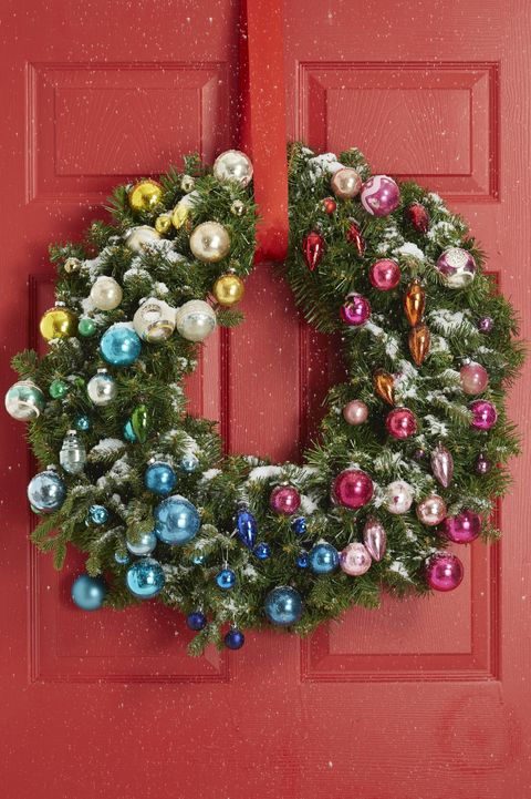 40 Christmas Door Decorating Ideas