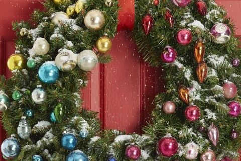 diy christmas wreaths - ornament wreath