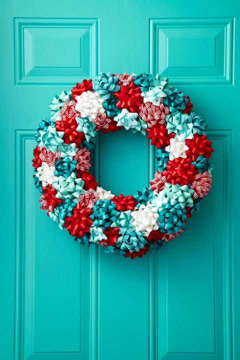 christmas-door-decorations-ribbon-wreath