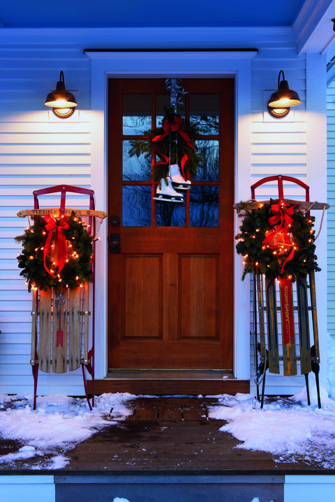 8 Christmas Door Decorating Ideas - Best Decorations for Your
