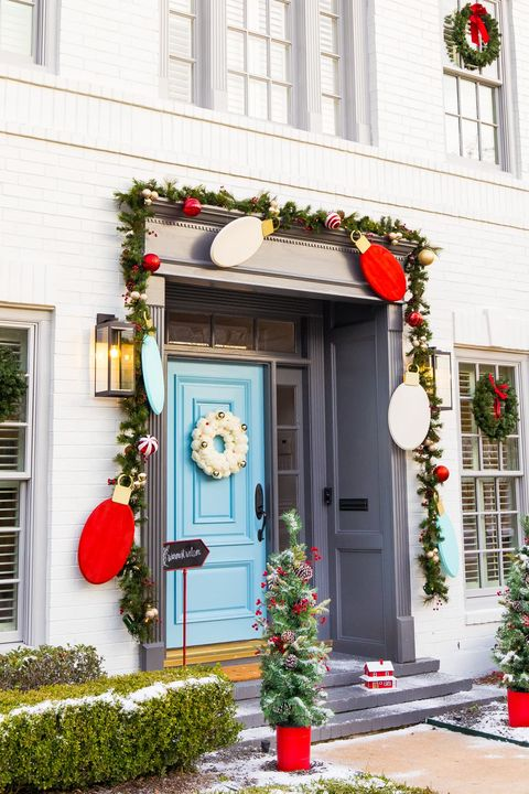36 Christmas Door Decorating Ideas Best Decorations For