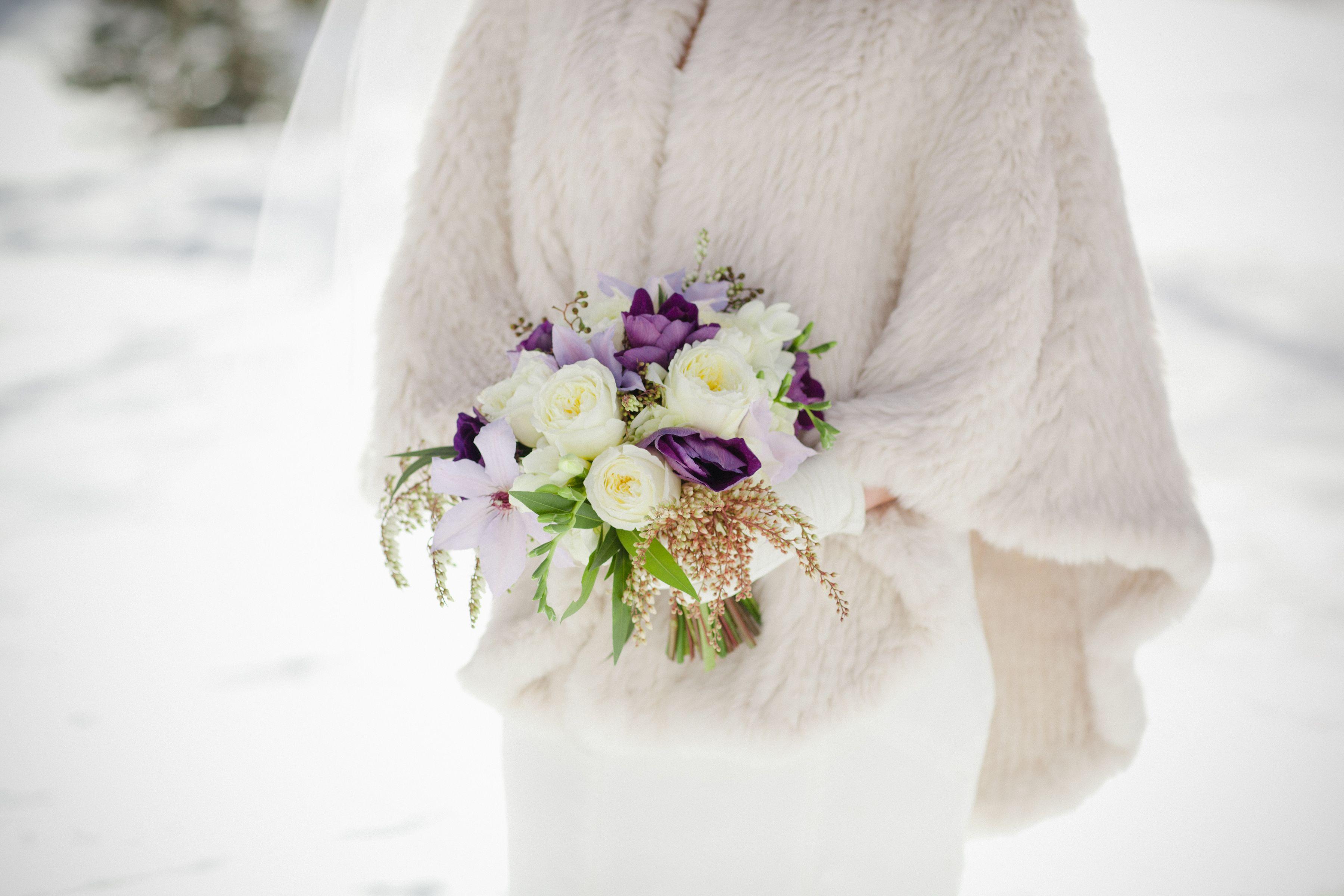 20 christmas flower arrangements winter holiday flower arranging ideas izmirmasajfo