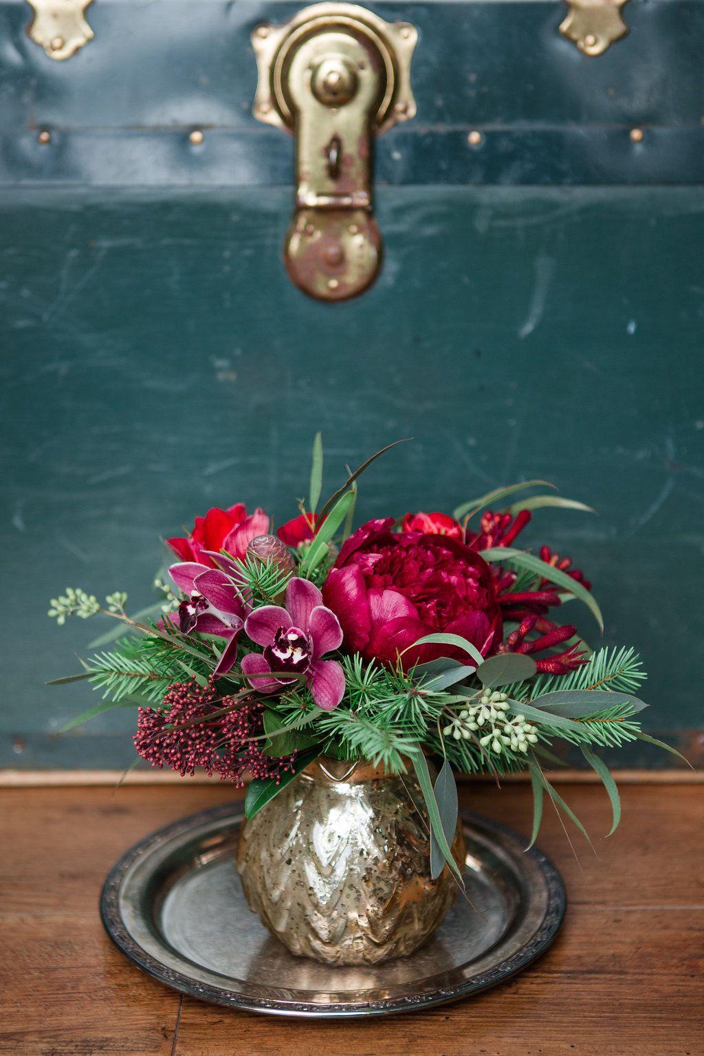 20 Christmas Flower Arrangements Winter Holiday Flower Arranging Ideas