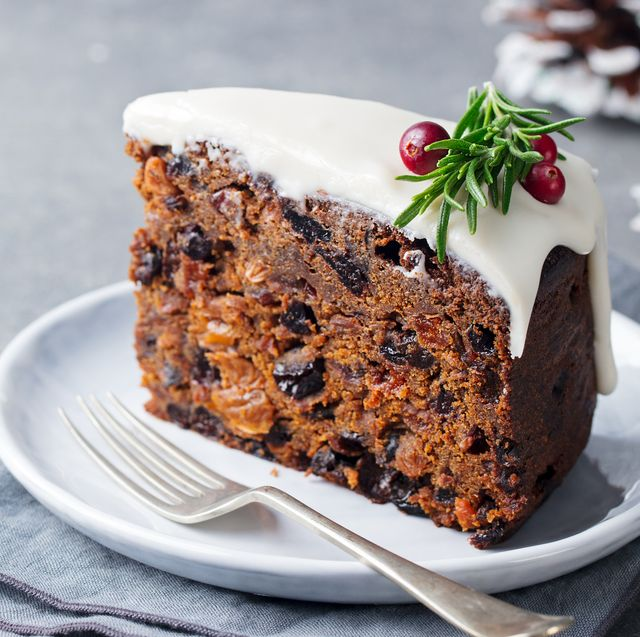 how to cut christmas cake without it drying out