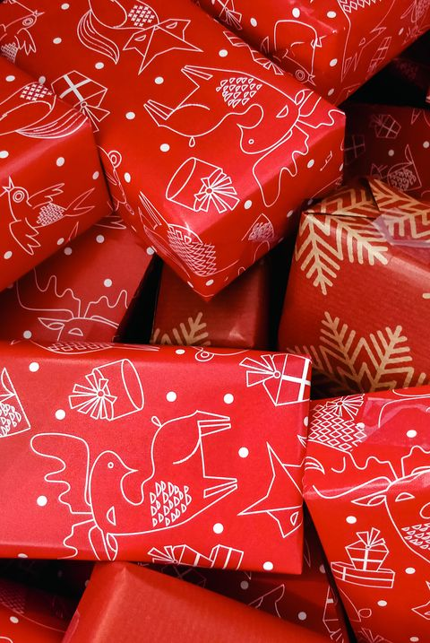 christmas games for adults wrapping challenge