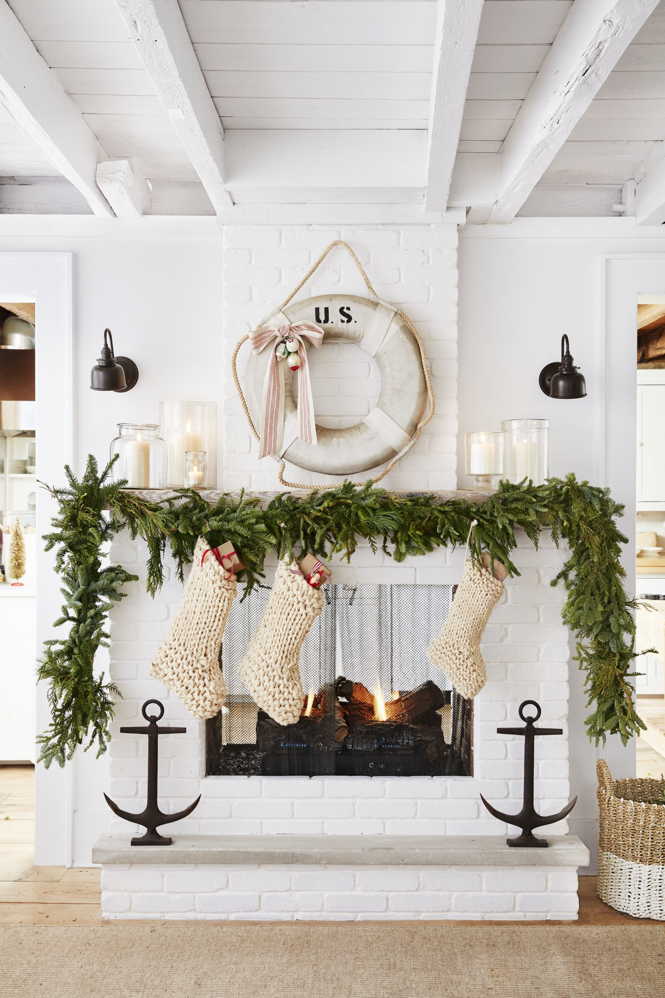 48 Best Christmas Garland Ideas 2020 Decorating With Holiday Garlands