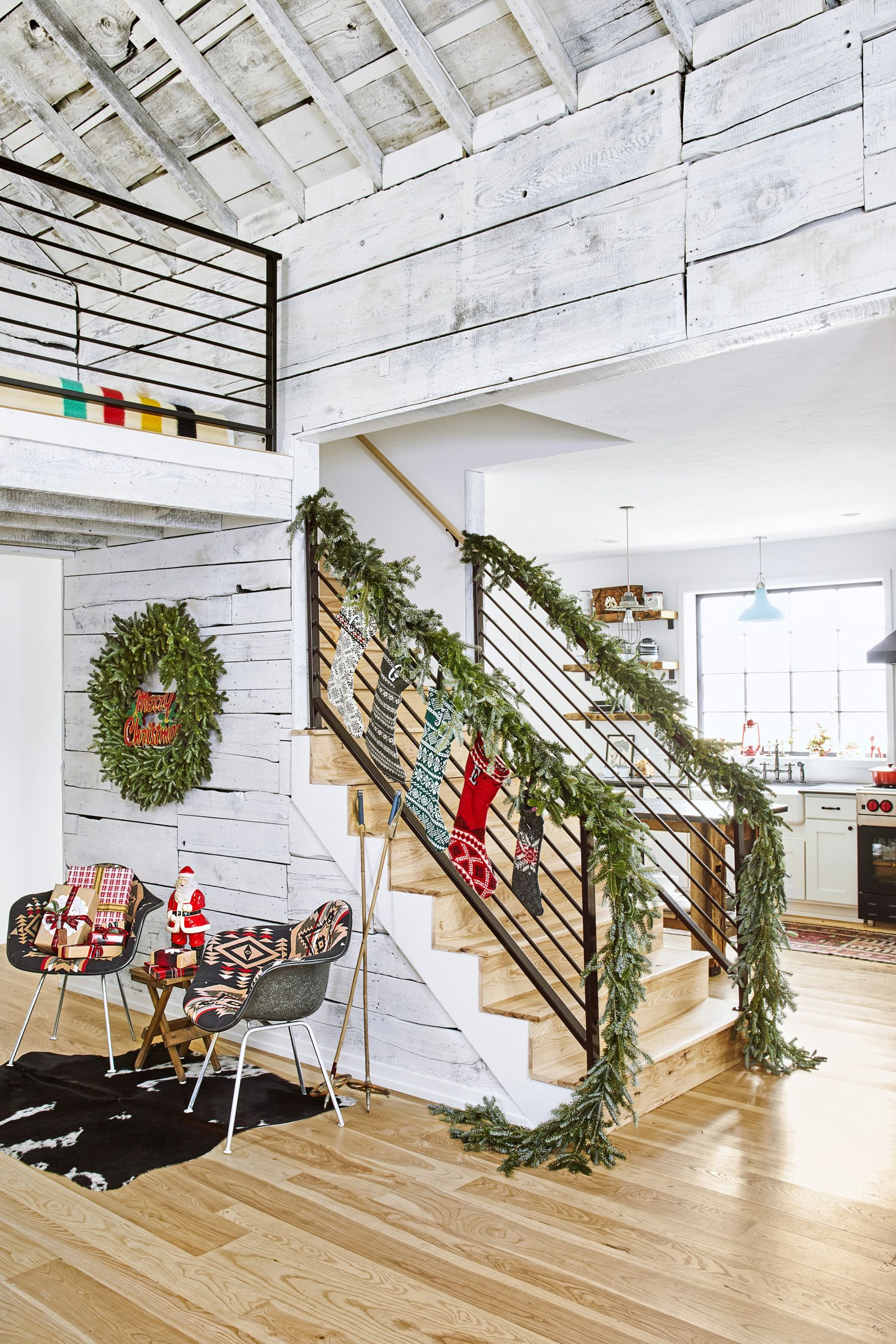 christmas garland stairs