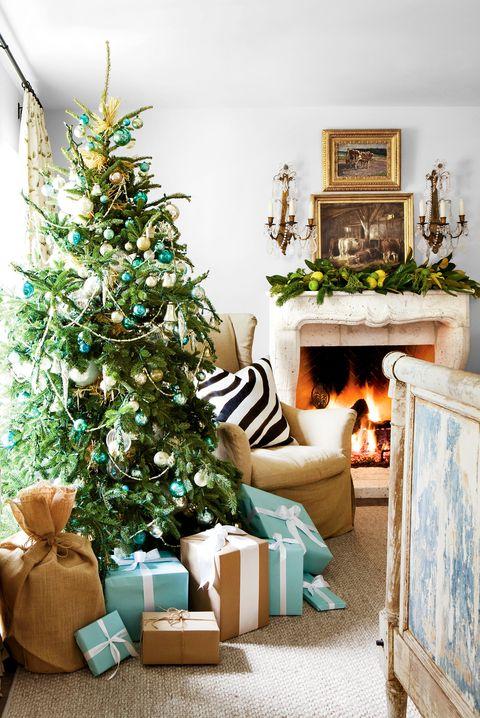 Room, Interior design, Home, Christmas decoration, Christmas tree, Interior design, Living room, Holiday, Christmas, Christmas ornament,