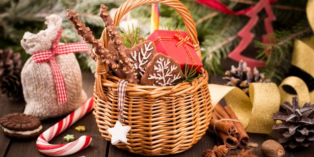 Christmas In July Gift Basket Ideas.23 Diy Christmas Gift Basket Ideas How To Make Your Own