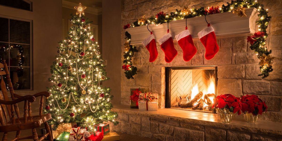 This Survey Reveals the Most Popular Time to Start Putting up Holiday Decorations