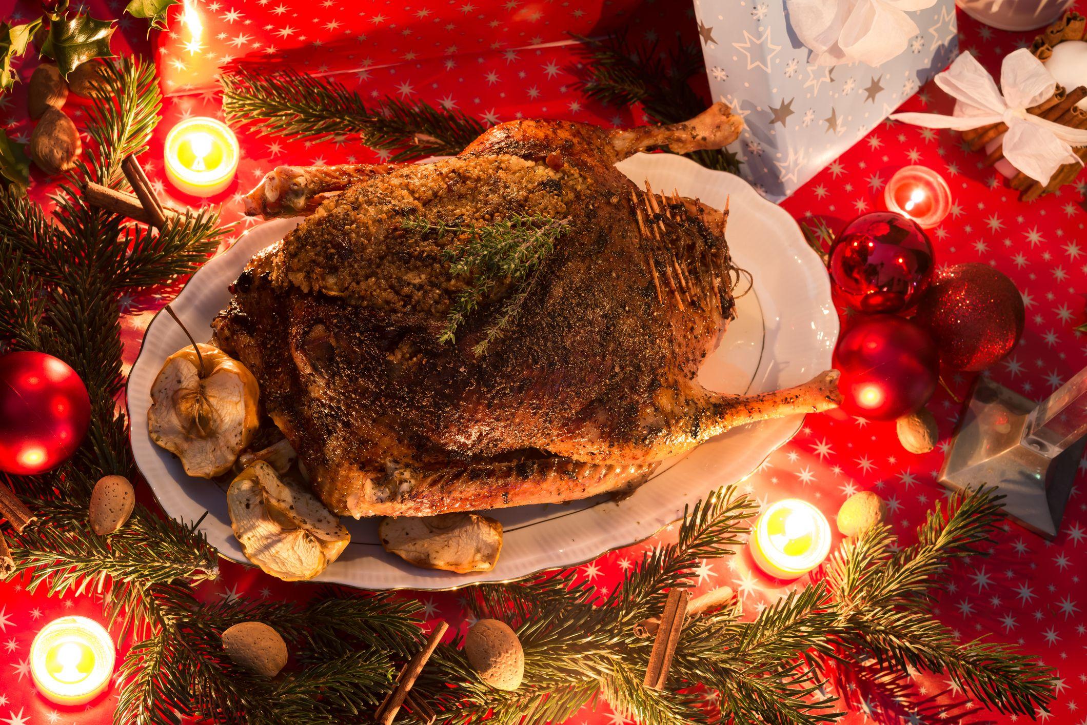 Christmas Food Traditions Around The World Traditional Christmas Dinner