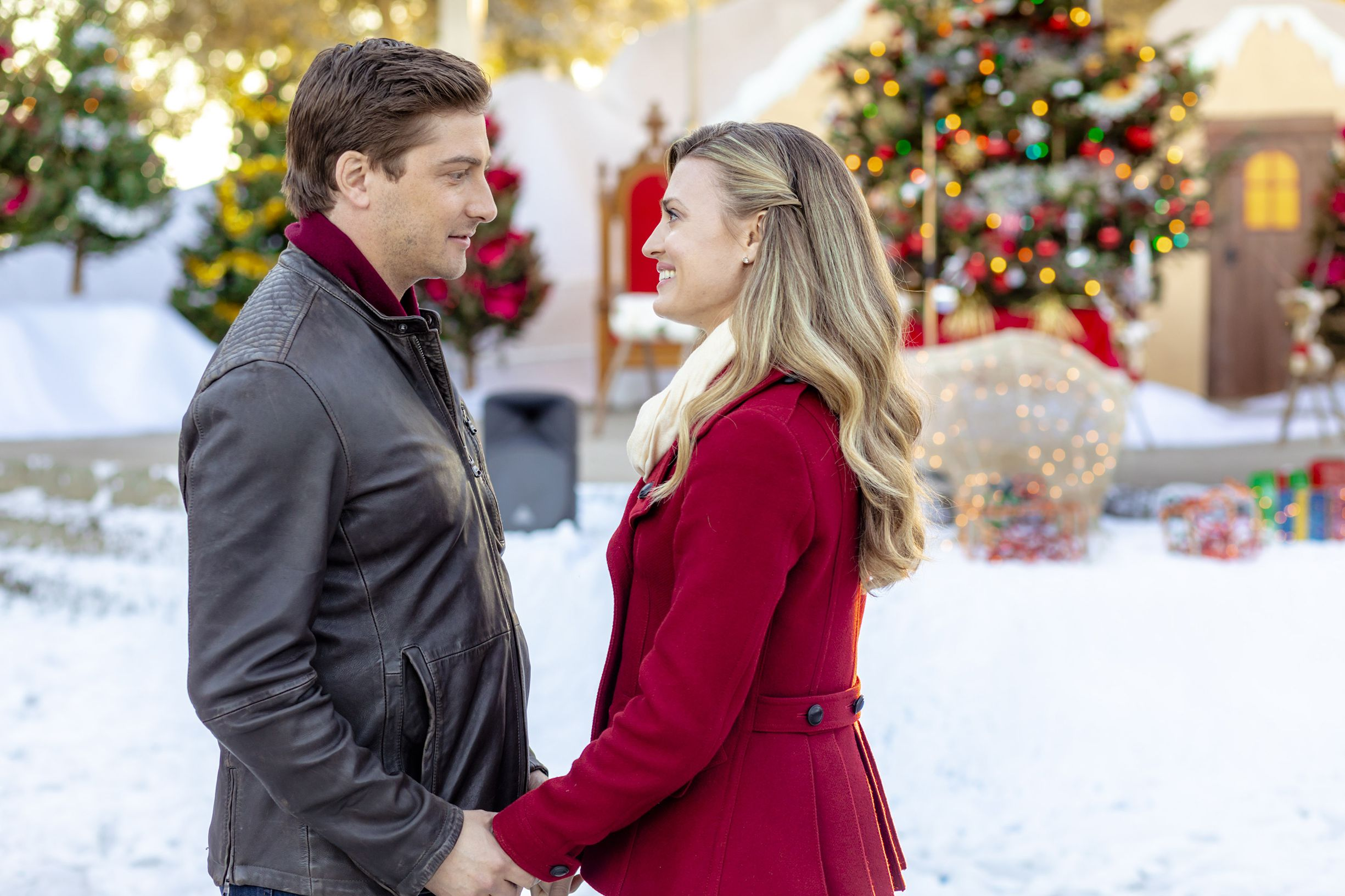 Christmas Inheritance Cast.Here S Where Hallmark Channel S Christmas In Love Was Filmed